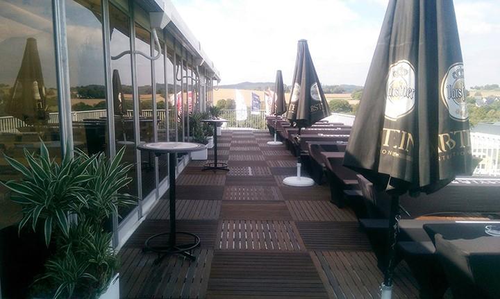 media/image/warsteiner-terrasse-stehtische-2.jpg